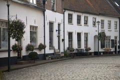 Typowy stary kwadrat starzy Holenderscy czasy iść obok zdjęcia stock