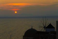 Typowy wiatraczek w Santorini Obraz Royalty Free