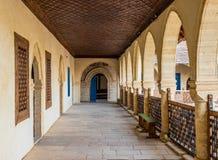 Typowy widok w tradycyjnej wiosce Omodos w Cypr zdjęcia royalty free