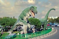 Tyrannosaurus rex przed filmem zaczyna zdjęcia royalty free