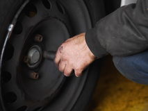 Tyre change winter Royalty Free Stock Photos