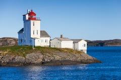 Tyrhaug latarnia morska, bielu wierza z czerwonym światłem Zdjęcie Stock