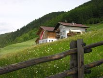 Tyrolian Häuser Lizenzfreie Stockfotos