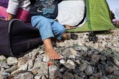 Tysiące imigranci są w czekaniu przy granicą między Gree Zdjęcia Royalty Free