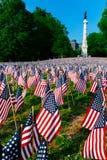 Tysiące USA flagi zasadzać w Boston Common upamiętniać spadać żołnierzy w wojnach, podczas Memorial Day weekendu zdjęcie stock