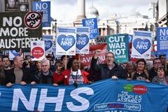 Tysiące Marzec w poparciu dla NHS Fotografia Royalty Free