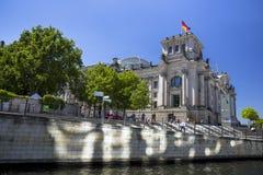 Tysk byggnad för parlament (Reichstag) i Berlin Royaltyfria Foton