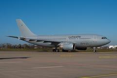 Tysk flygvapenflygbuss A310-304 Royaltyfria Foton