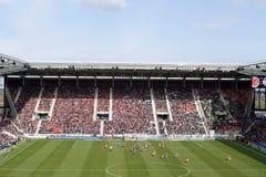 Tysk fotbollligamatch Mainz mot Wolfsburg Arkivfoto