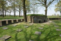 Tysk krigkyrkogård av Langemark Arkivfoton