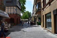 Tysk marknadsplatsgränd i den Wiesbaden Tyskland Arkivfoton