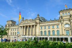 Tysk parlamentReichstag byggnad berlin germany royaltyfria foton