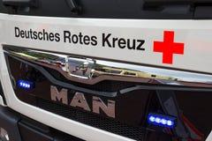 Tysk Röda korsetlastbil Arkivfoton