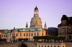 Tysk stad Dresden med kyrkliga Frauenkirche arkivfoton