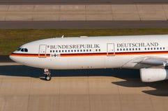 Tysk storgubbe för flygvapenflygbuss 340 Arkivbild
