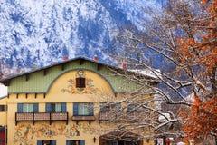 Tyska byggnader Leavenworth Washington för vinterberg royaltyfri foto