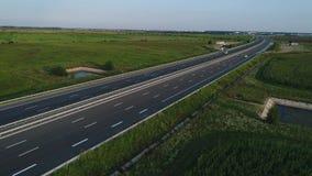 Tyska motorways som ses fr?n ?ver, bilk?rning