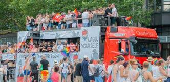 Tyskland Hamburg - Augusti 4, 2018: Christopher gatadag Förälskelse ståtar i Hamburg fotografering för bildbyråer