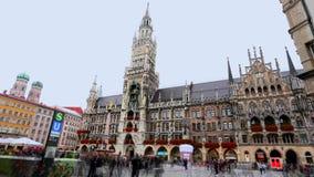 Tyskland Munich nytt stadshus, Maria Canton, klocka för docka för Tyskland` s störst arkivfilmer