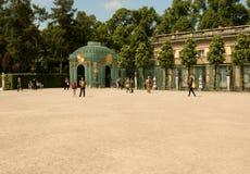 Tyskland-Potsdam Maj 2016 Fragment av borggården framme av t Royaltyfria Bilder