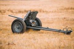 Tyskt Anti--behållare vapen Pak 36 i fält Arkivfoton