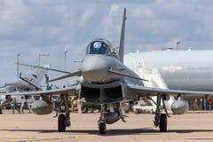 Tyskt flygplan för jaktflygplan för flygvapenLuftwaffe Eurofighter EF-2000 tyfon Royaltyfria Foton