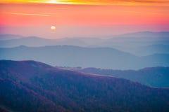 Tyst afton i bergen royaltyfri fotografi