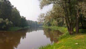 tyst flod Arkivfoton
