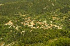 Tyst grekisk bergby Royaltyfria Foton