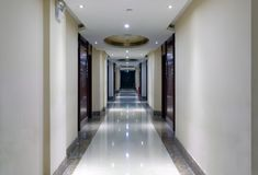 Tyst korridor, Adobe rgb royaltyfri fotografi