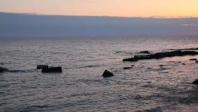 Tyst och fridsam afton på havet lager videofilmer