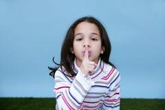 tyst tecken för flicka Royaltyfri Fotografi