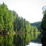 Tystnad av floden Arkivfoton