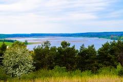 tystnad för ställe för natur för liggande för skönhetfiskarelake Royaltyfria Foton