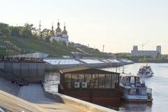 Tyumen, Россия, 16-ого июля 2018: Корабль мотора Tyumen с tou Стоковые Фото