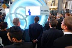 Tyumen, Россия, 09 07 2016 Форум новаторских технологий Ученые, политики и бизнесмены связи стоковые фотографии rf