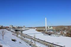 Tyumen Brücke von Liebhabern Tura-Fluss Sibirien, Russland lizenzfreies stockbild