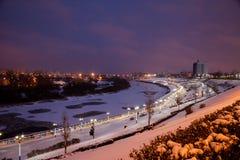 Tyumen Rosja, Listopad, - 05 2016: Zimy nocy krajobraz od Zdjęcie Royalty Free