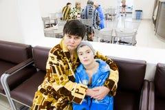 Tyumen, Russland - Großmutter mit dem Enkel Stockbild