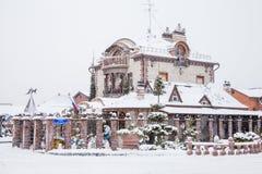 Tyumen, Russland - 6. November 2016: Winterlandschaft mit beautif Lizenzfreie Stockbilder