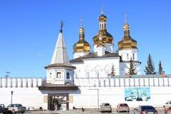 Tyumen ` S Männer der Heiligen Dreifaltigkeit Kloster Russe Sibirien stockfotos