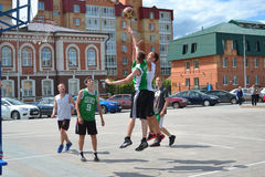 Tyumen. Straßenbasketball Stockfotos