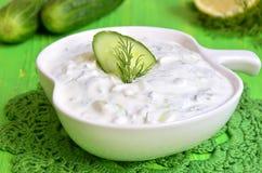 Tzatziki,传统希腊调味汁 库存照片