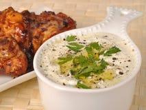 tzatziki цыпленка греческое зажженное Стоковая Фотография RF