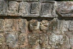 Tzompantli/Chichen Itza, Мексика Стоковые Фотографии RF