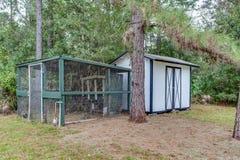 Użyteczność Zrzucająca w podwórze Składowej przestrzeni DIY budowy własności Małej Buduje łatwości zdjęcie royalty free