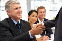 uścisk dłoni biznesowi ludzie Zdjęcia Royalty Free