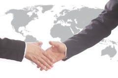 Uścisk dłoni partnery biznesowi po podpisywać kontrakt obrazy stock