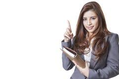 Uśmiech Biznesowej kobiety przedstawienia palce Długie włosy model odizolowywający fotografia royalty free