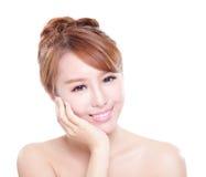 Uśmiech twarz kobieta z zdrowie zębami Zdjęcia Stock